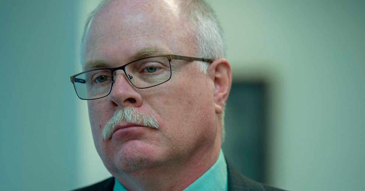 ジョン・コリア、ノバスコシア州の元警察署長、十代の少女を暴行したために宣告