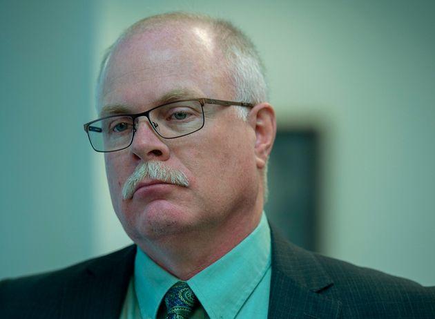 元ブリッジウォーター警察署長ジョン・コリアーは、ニュージャージー州ブリッジウォーターのノバスコシア州最高裁判所に向かった...