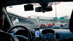 「Uberドライバーは従業員として扱われるべき」と、フランス最高裁判所