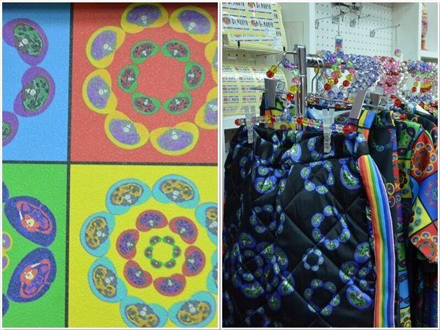 CT画像を組み合わせた「花柄」の壁(左)。そのテキスタイルを使った洋服(右)