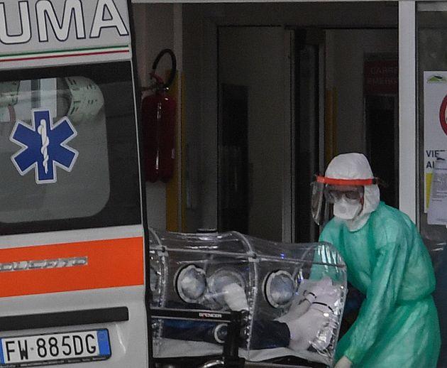 Κορονοϊός: Κρίσιμα 24ωρα στην Ιταλία- στους 148 οι