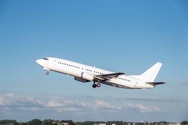 Κορονοϊός: Από 63 έως 113 δισ. δολάρια οι απώλειες αεροπορικών