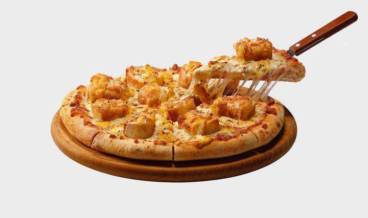 Pizza de pão de alho será vendida apenas no mês de março.