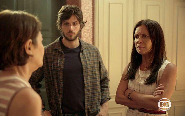 Andrea Dantas (Fátima), Chay Suede (Danilo) e Adriana Esteves (Thelma) contracenam em