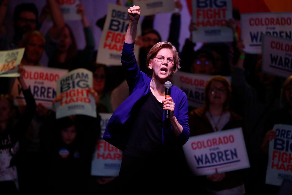 엘리자베스 워렌이 2020 미국 민주당 대선후보 경선 중단을 선언했다. 미국 사회의 구조적 불평등과 부패에 대한 '투쟁(fight)'을 강조한 그의 선거운동은 초반 경선의 의제를
