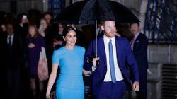Εντυπωσιακή στα μπλε η Μέγκαν στην πρώτη της δημόσια εμφάνιση με τον Χάρι μετά το