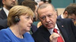 Αναθεώρηση της συμφωνίας για το προσφυγικό/μεταναστευτικό ζητά από τη Μέρκελ ο