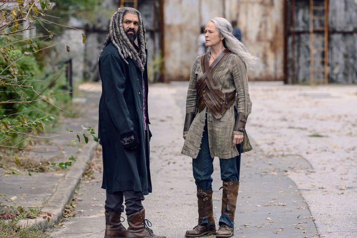 Ezekiel (Khary Payton) and Carol (Melissa McBride).
