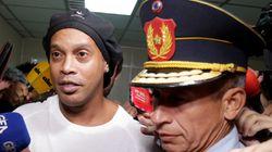 Le footballeur brésilien Ronaldinho arrêté au Paraguay pour usage de faux