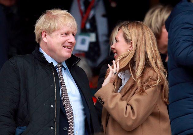 Βρετανία: Κοινοβουλευτική έρευνα για τις πολυτελείς διακοπές του Μπόρις