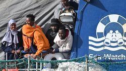 """Sulla Sea Watch in quarantena. """"Isolamento politico, così discriminano le"""