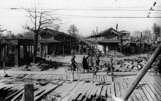 浅草・仲見世通り(1945年3月19日)