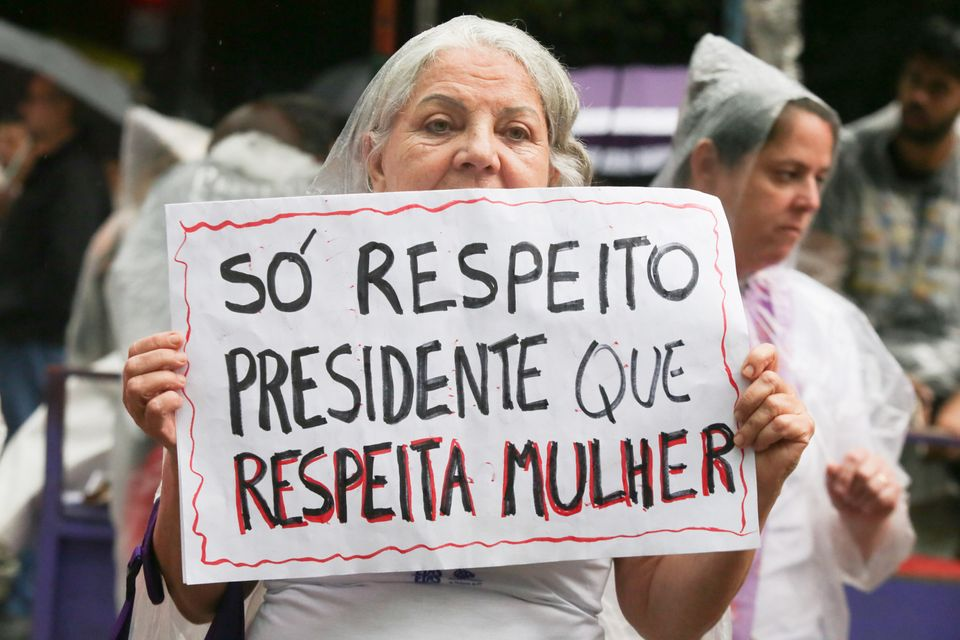 Mulheres se reuniram na Avenida Paulistas para pedir o fim do