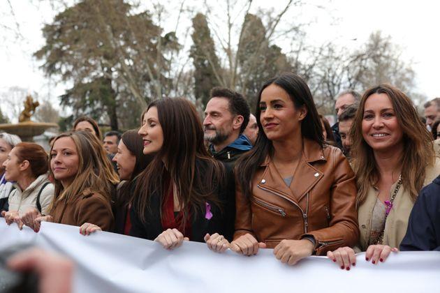 Begoña Villacís y Lorena Roldán durante la manifestación del 8-M en