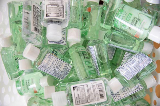 Récemment, les prix de flacons de gel hydroalcoolique a fortement augmenté sur internet....