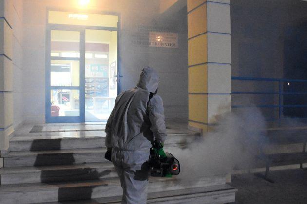 Κορονοϊός: Αναστέλλεται η λειτουργία κι άλλων σχολείων για προληπτικούς