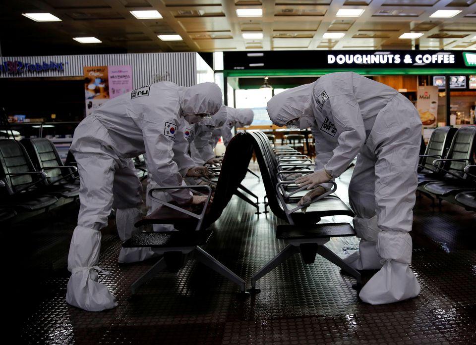 대구국제공항에서 군인들이 방역작업을 벌이고 있다. 대구. 2020년