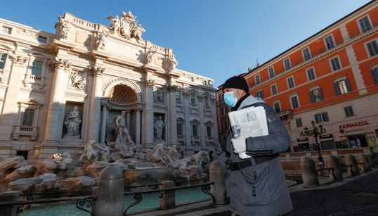 Ιταλία, μια χώρα σε καραντίνα λόγω κορονοϊού - Έρημοι δρόμοι, μοναχικά μνημεία, ουρές στα σούπερ