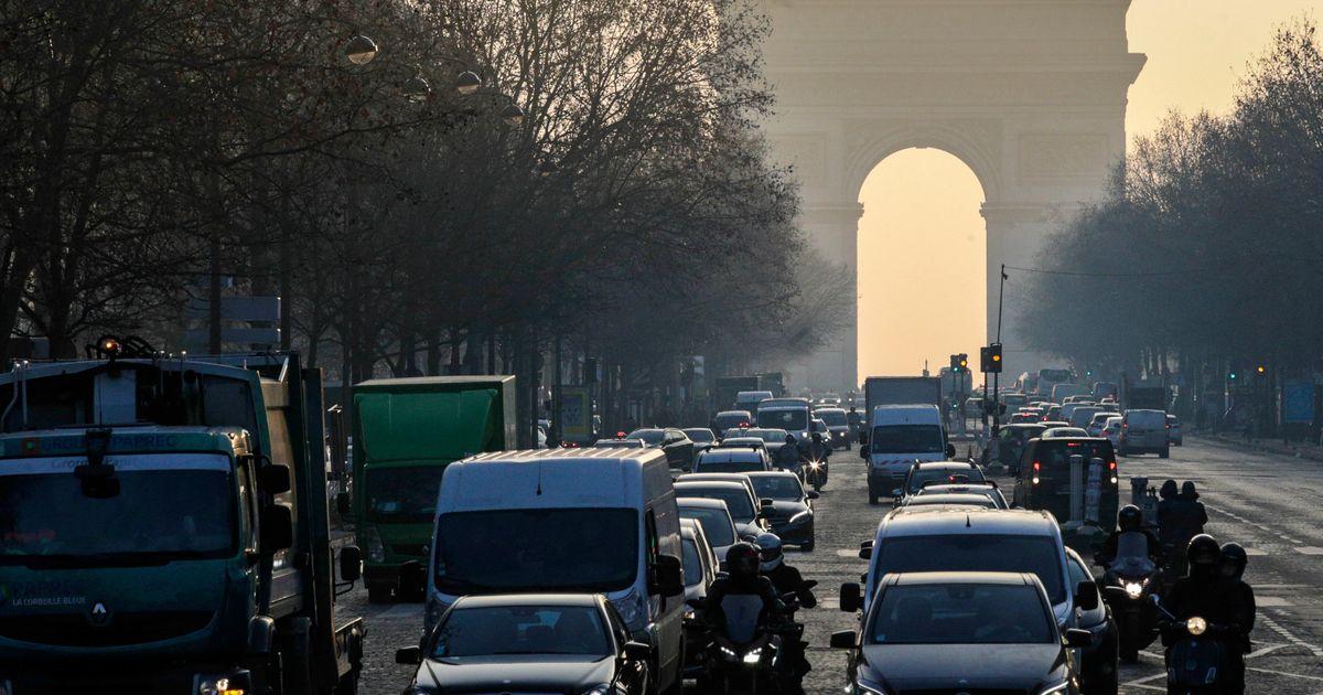 """""""Divisez le trafic routier par deux d'ici 2025: notre pétition aux candidats à la Mairie de Paris"""""""