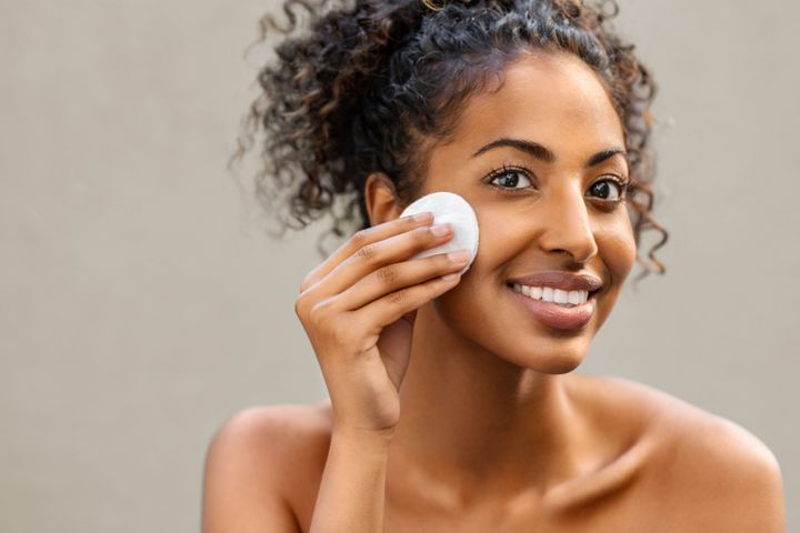This multipurpose makeup remover has earned a spot in the offices of dermatologists, the backstage bags of professional makeup artists and the top shelves of skin care enthusiasts.
