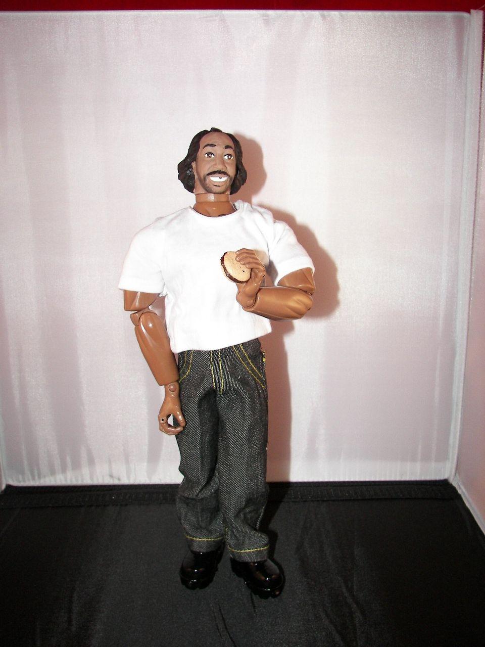 """<a href=""""http://www.herobuilders.com/"""" target=""""_blank"""">Herobuilders</a> designed this Charles Ramsey doll."""