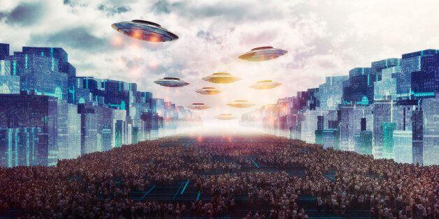 Alien UFO attack on the future city of Earth.
