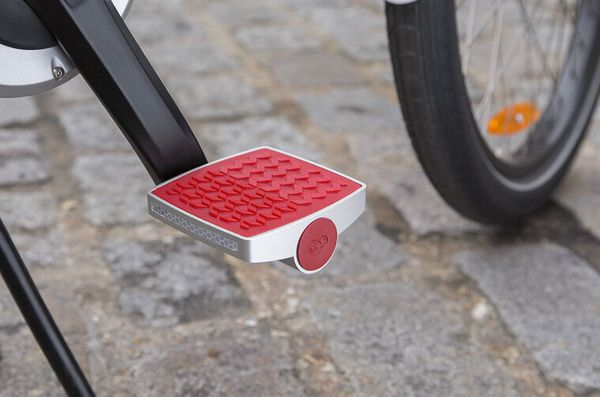 Turn your ordinary bike into a smart bike by using this pedal, which tracks your fitness and bike thieves with GPS and GPRS s