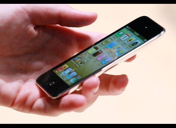 """As <a href=""""http://www.engadget.com/2010/09/07/ipod-touch-review-2010/"""" target=""""_hplink"""">Engadget</a> notes in its review, th"""