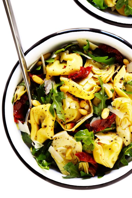 Get theTortellini Pasta Salad With Sun-Dried Tomatoes and Artichokes recipe from Gimme Some Oven