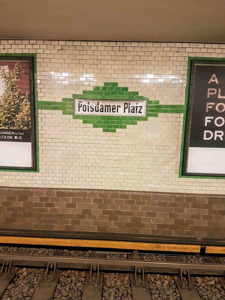 Aμέτρητες διαδρομές από τα σινεμά τηςAlexander Platzστο κέντρο Τύπου στηνPotsdamer Platz…