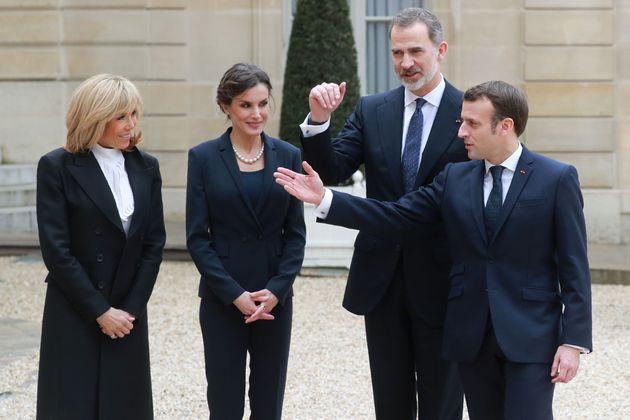 Los reyes Felipe y Letizia con el presidente Emmanuel Macron y su mujer, Brigitte, en el Palacio Presidencial...