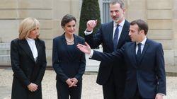 La llamativa manera de saludarse de Felipe y Letizia con Macron y su mujer por el