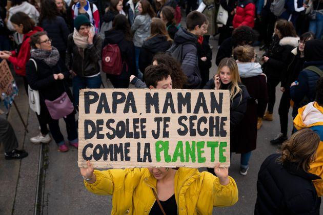 Marche pour le climat: les jeunes ont séché l'école lors d'une journée mondiale...