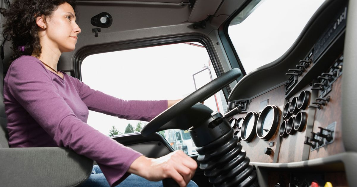 カナダのトラック運転手不足は悪化しています:女性、若年労働者募集
