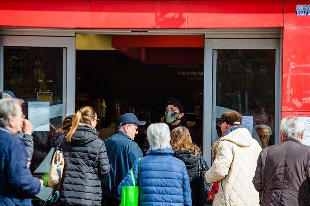 Σκληρότερα μέτρα στην Ιταλία: Κλείνουν όλα τα καταστήματα, εκτός φαρμακείων και καταστημάτων