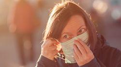 Levantamento aponta que, em 81% dos casos, coronavírus se manifesta de forma