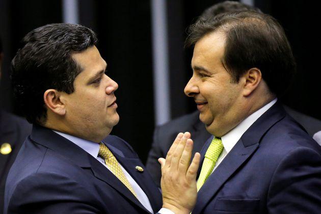 Deputados e senadores derrubaram veto de Bolsonaro ao projeto do