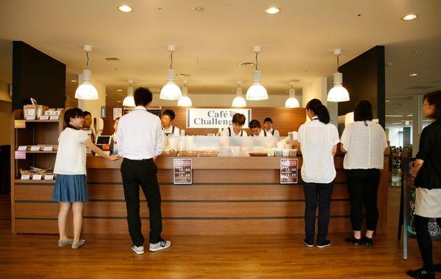 「コーヒーおいしかったよ」障がいのある社員と交流が生まれるカフェがあった。