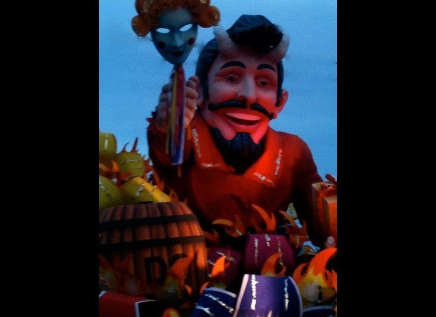 Jim Beam Devil's Cut Maxim Float rolls in the Orpheus Parade.
