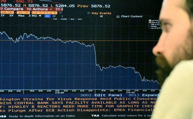 La Bourse de Londres a terminé sur un plongeon de 9,81% ce jeudi 12 mars, sa pire séance...