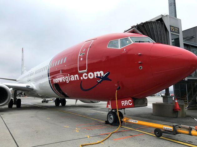 Ο κορονοϊός αναγκάζει την Norwegian Air να απολύσει προσωρινά τους μισούς