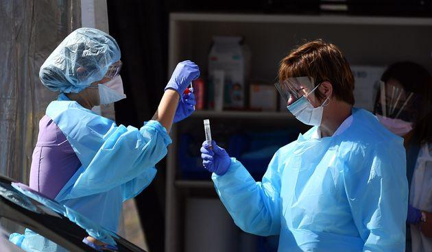 O número de casos confirmados de contaminação pelo novo coronavírus subiu...