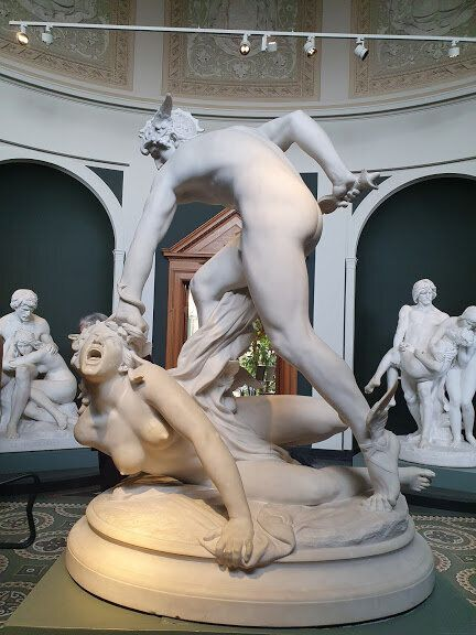 ペルセウスとメドゥーサの彫刻