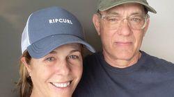 新型コロナ感染のトム・ハンクス夫妻がツーショットで現状を報告。「誰にもうつさないよう隔離されている」
