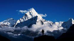 네팔 정부가 코로나19 우려로 에베레스트 등반을