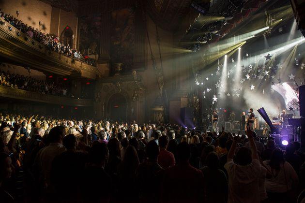 Υπέρ της αναβολής των μεγάλων συναυλιών τάσσονται οι κορυφαίοι