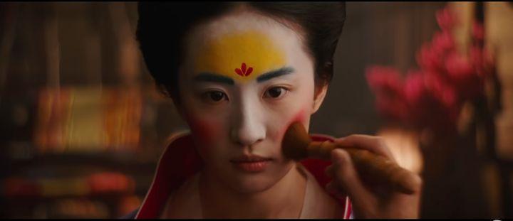 L'actrice Liu Yifei incarnant rôle de Mulan