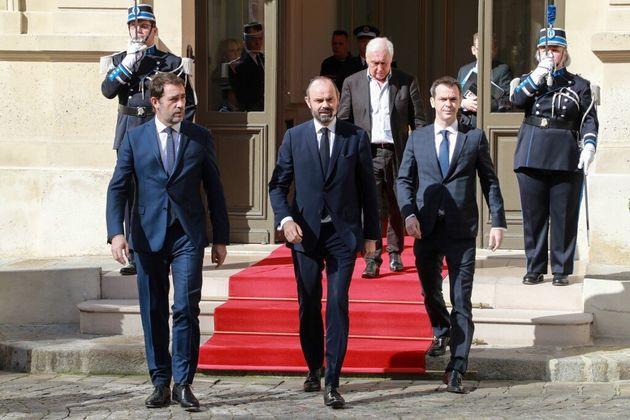 Christophe Castaner, Édouard Philippe et Olivier Véran ce vendredi 13 mars à la sortie du ministère de