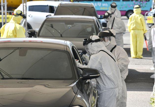 En Corée du Sud, il est possible de se faire dépister du nouveau coronavirus sans sortir...