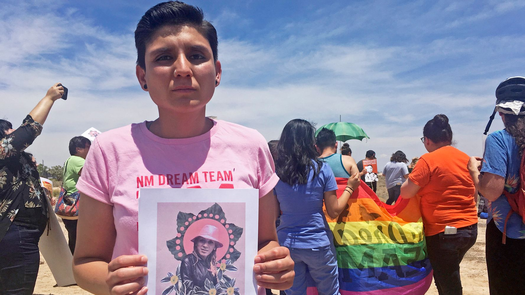 Mujer transgénero fue agredida sexualmente en el sitio de ICE, dicen los defensores